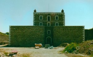 Wicklow Gaol before its restoration in 1998. Link to 'A Rebel Hand: Nicholas Delaney of 1798' website