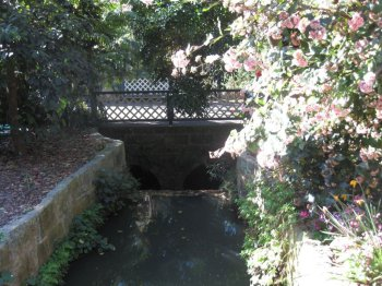 Macquarie Culvert in Sydney's Botanic Gardens,, second view